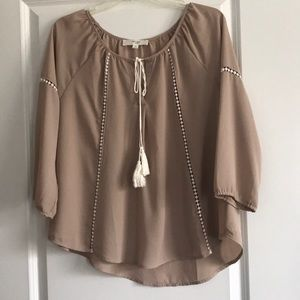 Woman's Boho style top size Medium from Forever 21
